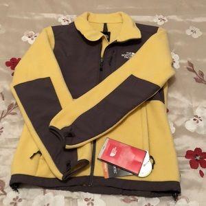 NWT the North Face Denali jacket